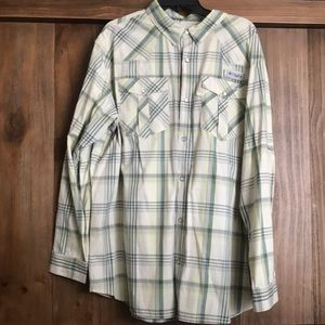 Columbia button up fishing shirt